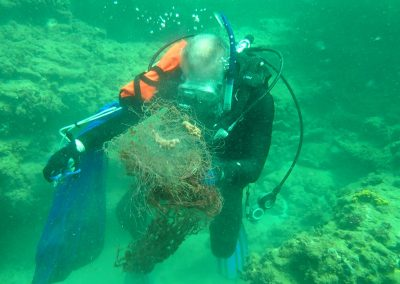 Diver with monofilament fishing line from southeast Florida's reefs.